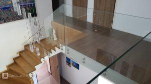 Balustrada schodowa szklana wewnętrzna
